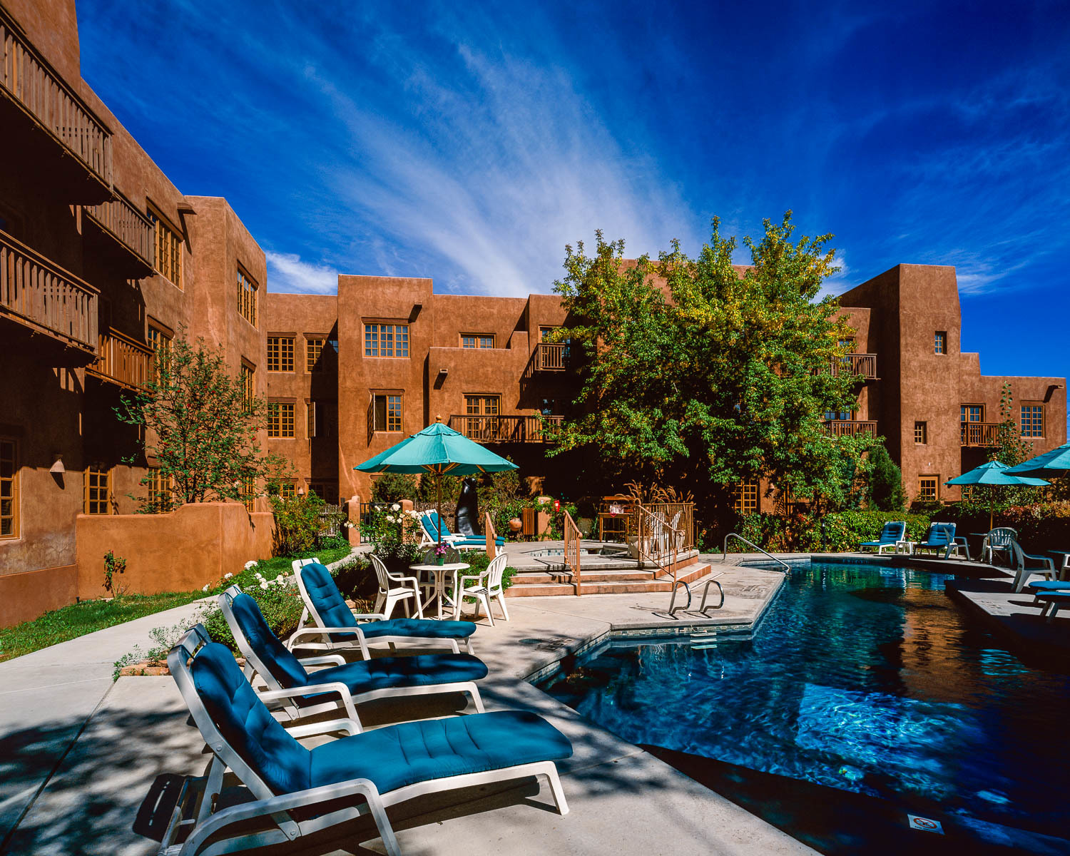 JohnMacLean_HotelSantaFe_Pool_PF